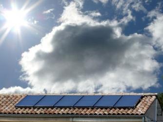 production eau chaude par panneaux solaires. Black Bedroom Furniture Sets. Home Design Ideas
